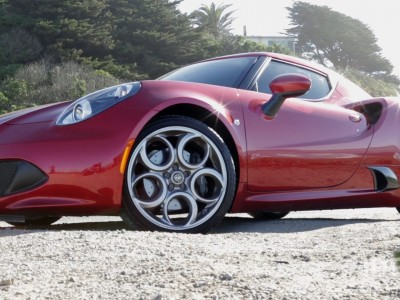 PCWorld review: Alfa Romeo 4C